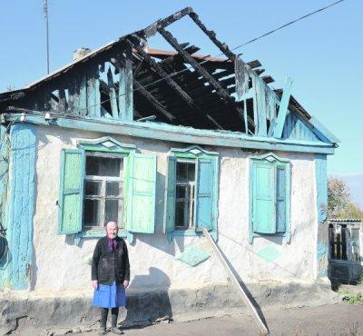 В Белокалитвинском районе сгорел дом пенсионерки