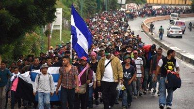 Второй караван мигрантов вышел в сторону США из Сальвадора