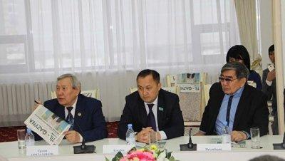 В Казахстане презентовали первую газету на латинице