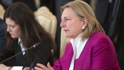 Глава МИД Австрии планирует посетить Москву 2-3 декабря, сообщил источник