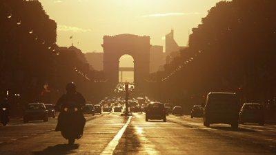 Главы государств и правительств прибыли к Триумфальной арке в Париже