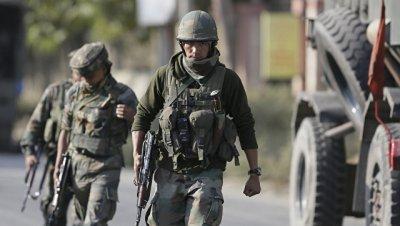 При столкновениях в Кашмире погиб индийский спецназовец