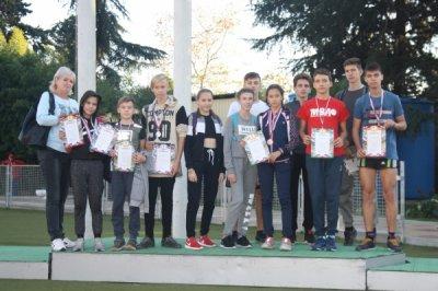 Белокалитвинские спортсмены приняли участие в соревнования по легкой атлетике памяти кавалера ордена Славы двух степеней Р.Е. Левицкого