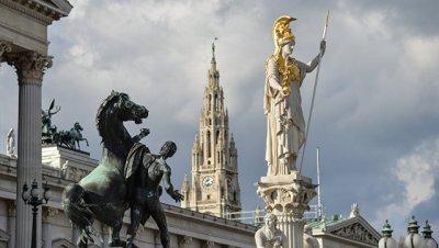Тамбовский губернатор возложил цветы к памятнику советским воинам в Вене