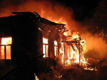 на территории Ростовской области произошло 4 пожара при которых погибло 6 детей