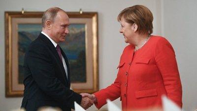 Путин и Меркель подробно обсудили ситуацию в Сирии