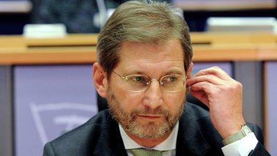 Сербские депутаты заперлись в парламенте Косово из-за ситуации с пошлинами