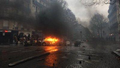 Во Франции один человек погиб в результате ДТП, вызванного баррикадами