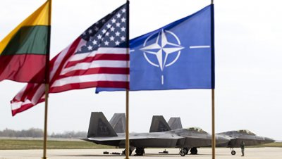 В Литве рассказали о сопровождении российских самолетов истребителями НАТО