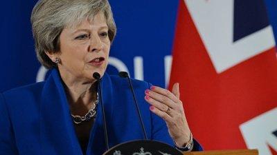 Внеочередных выборов и второго референдума по Brexit не будет, заявила Мэй