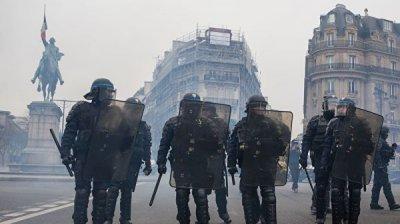 В Париже сохраняется спокойная обстановка после митингов накануне