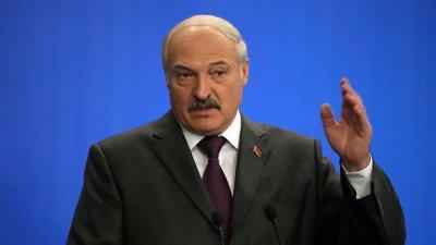 Лукашенко призвал не уходить от решения вопроса о мире в Донбассе