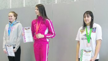 Белокалитвинские спортсменки взяли бронзу  на соревнованиях по плаванию