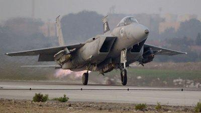 Израильские ВВС атаковали базу ХАМАС в секторе Газа