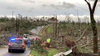 Трамп сообщил, что посетит в пятницу штат Алабама, пострадавший от торнадо