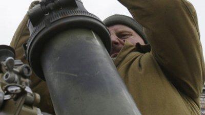 Украинские силовики три раза за сутки нарушили перемирие, заявили в ЛНР