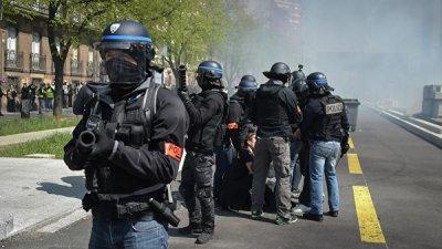 В Тулузе полиция применила слезоточивый газ против