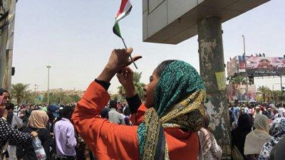 В Судане отменили чрезвычайное положение и комендантский час