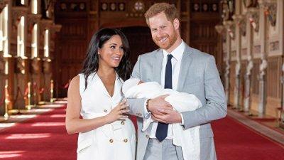 Принц Гарри и Меган Маркл показали новорожденного сына