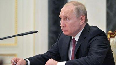 Путин наградил министра обороны Абхазии орденом Невского