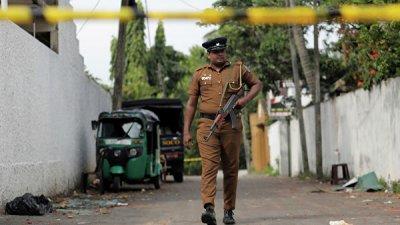 На всей территории Шри-Ланки ввели комендантский час