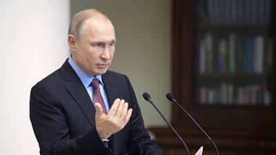 Решение США о выходе из ДРСМД нужно учитывать при развитии ВС, заявил Путин