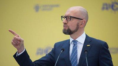 Пресс-секретарь Яценюка опровергла информацию, что он покинул Украину