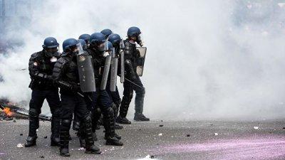В Монпелье полиция применила слезоточивый газ для разгона