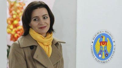 Додон выдвинул кандидатом в премьеры сопредседателя блока ACUM Майю Санду