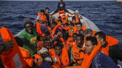 Мальтийские военные спасли 97 мигрантов в Средиземном море