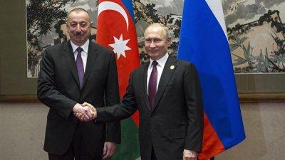 Президент Азербайджана поздравил Путина с Днем России