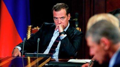 Медведев обсудил с премьером Узбекистана укрепление сотрудничества