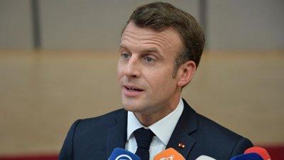 Макрон пообещал способствовать облегчению диалога между Россией и Украиной