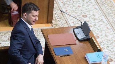 Зеленский попросил сохранить санкционное давление на Россию
