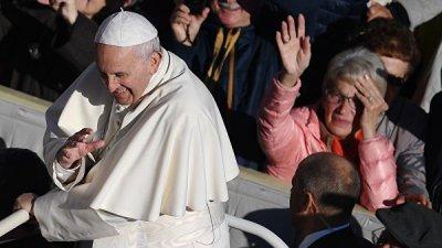 Папа Франциск выразил озабоченность продолжающимся конфликтом на Украине
