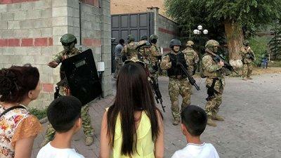 Погранслужба Киргизии усилила охрану объектов из-за ситуации с Атамбаевым