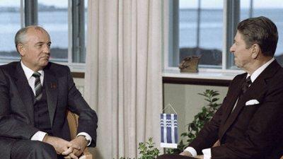 Эксперт напомнил о шутке Рейгана про бомбардировки СССР в 1984 году
