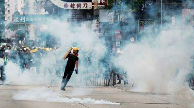 Эксперт не исключил применения жестких мер против демонстрантов в Гонконге