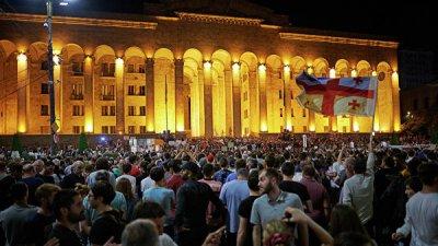 Тбилиси занизил ущерб от потери российских туристов, заявила Бурджанадзе
