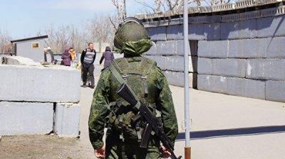 Украинский сапер пострадал при разминировании у КПП, заявили в ЛНР