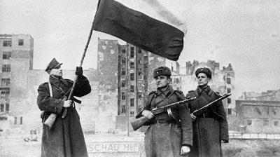 В Польше отреставрировали памятник погибшему капитану Туркеничу
