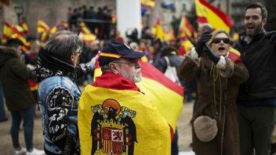 Правительство Испании намерено оспорить резолюции каталонского парламента