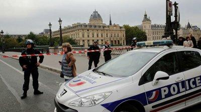 Прокуратура Парижа начала расследовать дело о нападении на полицейских