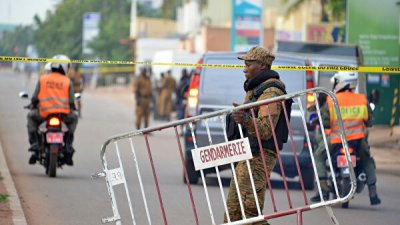 В Буркина-Фасо 16 человек погибли при атаке боевиков на мечеть