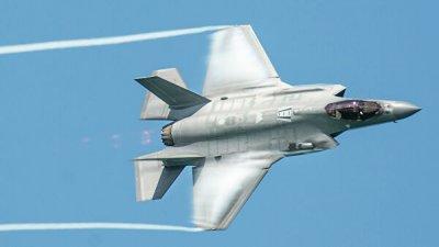 Пентагон столкнулся с проблемами в обслуживании парка истребителей F-35