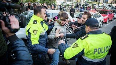 В Тбилиси возобновилась акция протеста с требованием внеочередных выборов