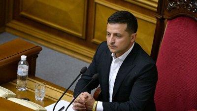 Зеленский внес в Раду проект об изменениях в конституции