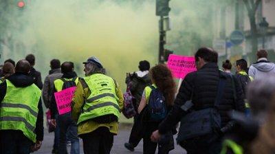 Радикалы устроили беспорядки на акции