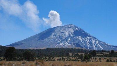 В Мексике произошло извержение вулкана Попокатепетль