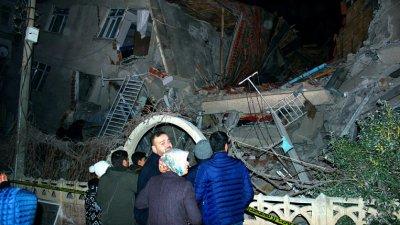 Жертвами землетрясения в Турции стали 29 человек